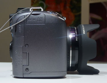 Canon-sx10is-right-375.jpg