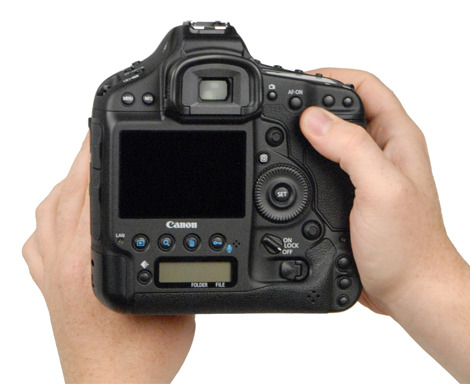 CANON_1D-X_HANDLING2.jpg