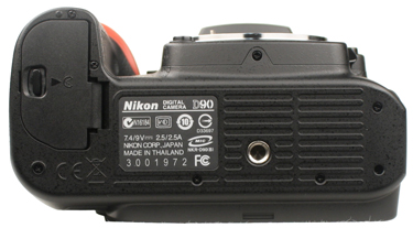 Nikon-D90-bottom-375.jpg