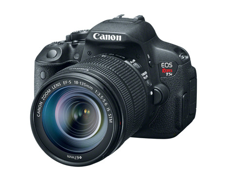CANON-NEWS-HR_T5I_EFS18-135_IS_STM_3Q_CL.jpg