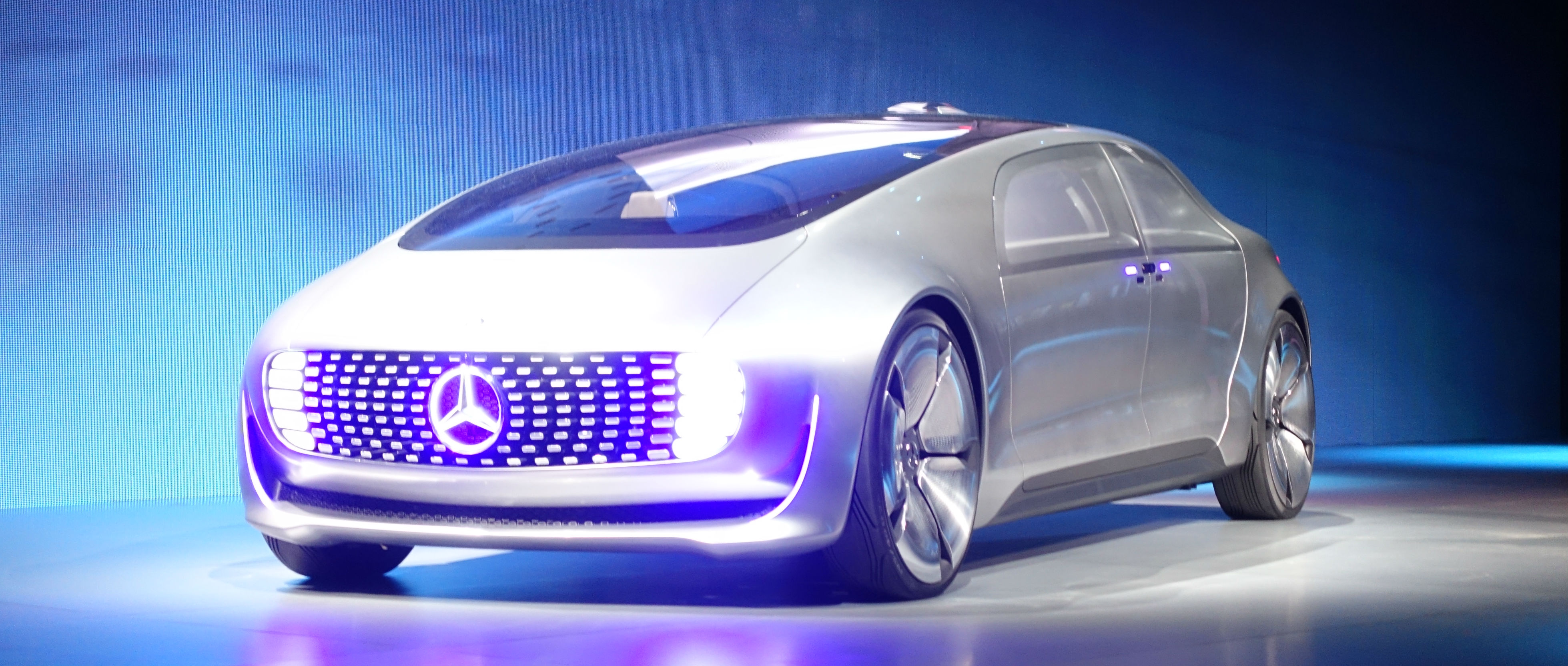 Mercedes-Benz Self-Driving Car Gets CES Going - Reviewed ...