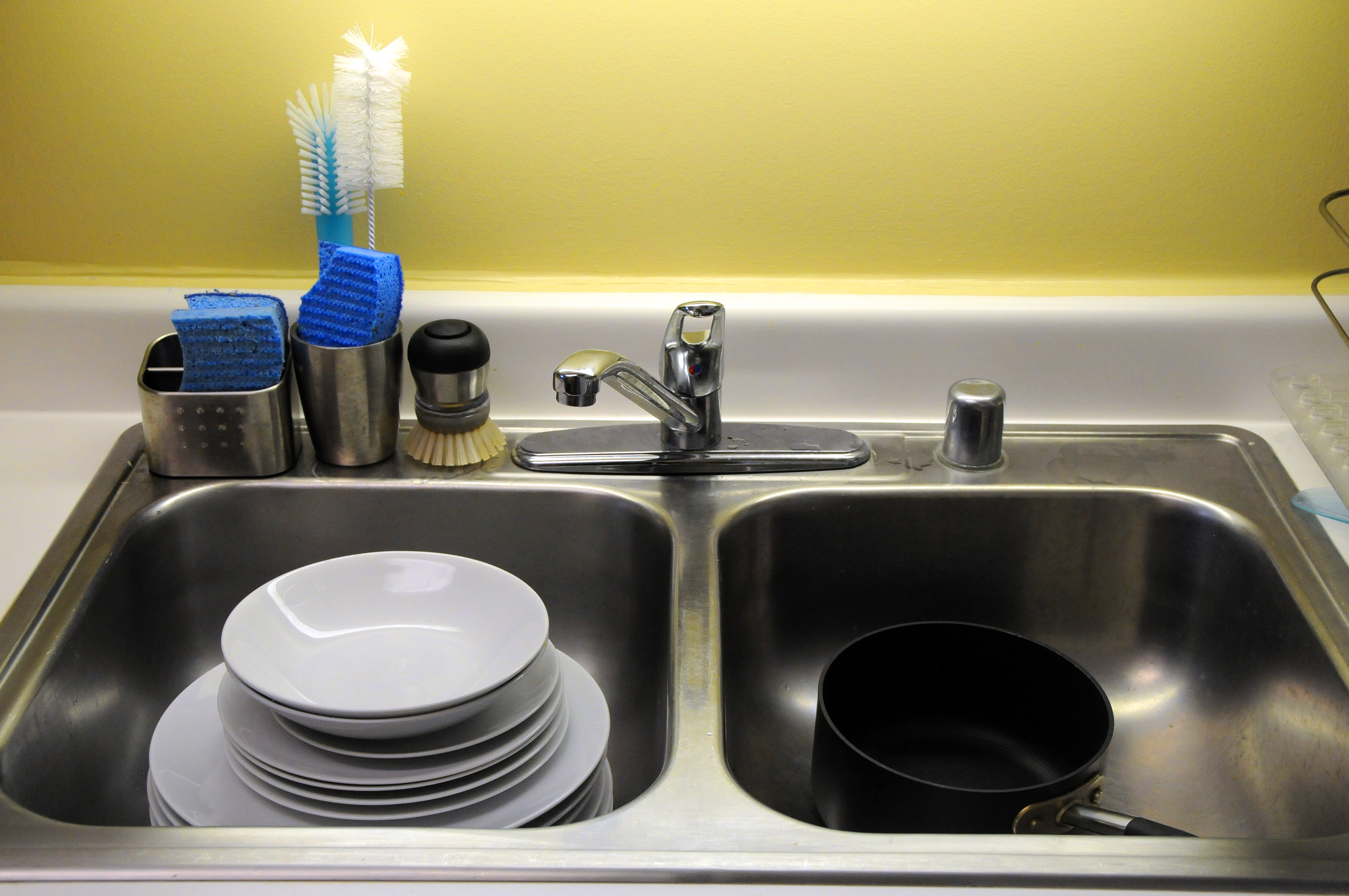 Hand washing dishes is even more wasteful than we thought for Cosas de cocina