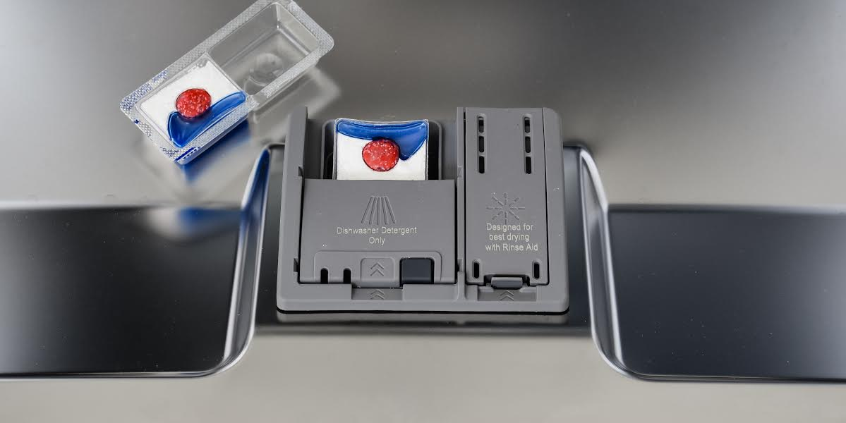 bosch shptluc  series dishwasher review reviewedcom dishwashers