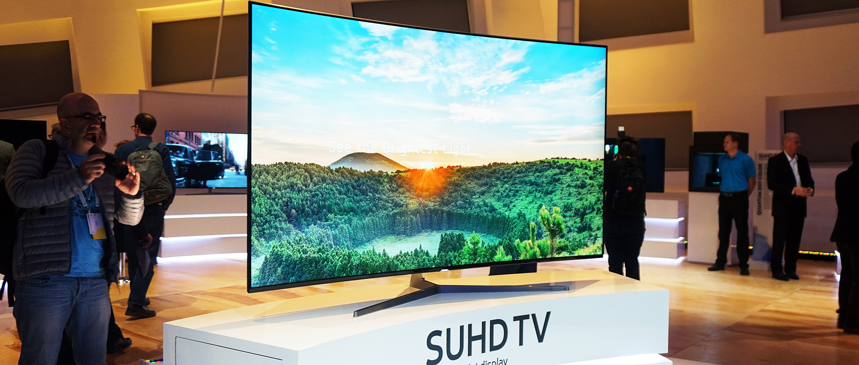 samsung ks9500 series suhd tv first impressions review televisions. Black Bedroom Furniture Sets. Home Design Ideas